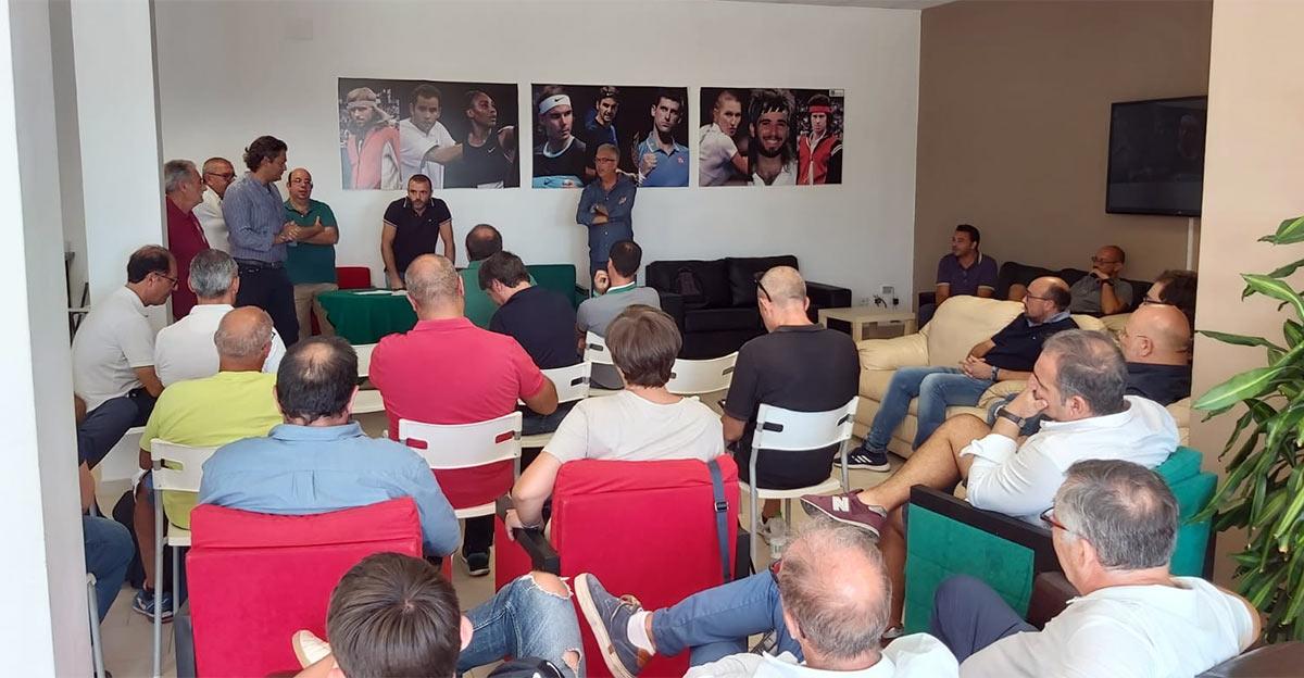 Un momento della riunione provinciale FIT al TCC Villa Amedeo.