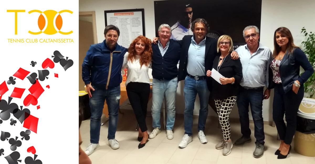 I coniugi Sedita vincono il Torneo di Burraco del TCC Villa Amedeo di Caltanissetta.