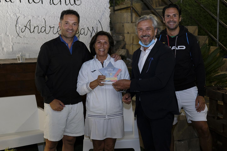 Il Sindaco Roberto Gambino premio Maria Jose Di Benedetto