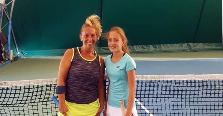 Alessia Bertuccio (a destra) vince il torneo di IV Categoria di Ganci