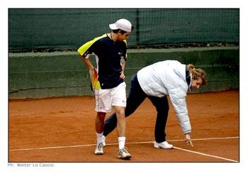Uno dei giocatori del torneo ed il giudice di linea - Torneo Internazionale di Tennis Future 2008
