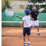 Una splendida giornata per l'apertura della scuola tennis del TCC Villa Amedeo.