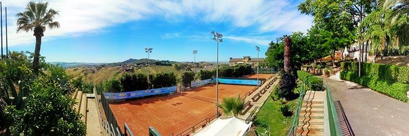 """Il Tennis Club """"Villa Amedeo"""" di Caltanissetta"""