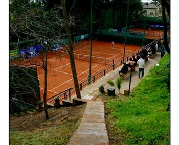 La struttura del Tennis Club Caltanissetta - Vista dei campetti di tennis